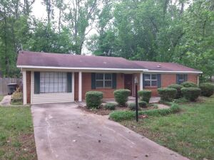 3-Bedroom Brick Home (Jackson Co.)