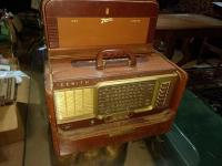 Vintage Zenith Trans-oceanic Shortwave Radio In Cowhide Case