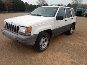 1998 JEEP GRAND CHEROKEE LAREDO VIN# 1J4GZ58S5WC208027  172,554 Miles