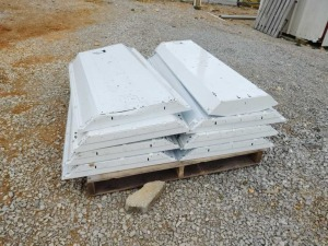 PALLET OF 2' X 4' TROFFER LIGHTS