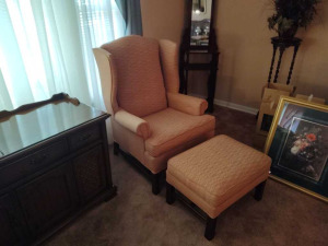 QUEEN ANNE STYLE WINGBACK ARM CHAIR WITH MATCHING OTTOMAN