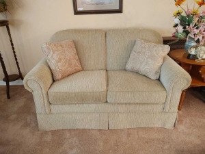 CLOTH CRAFTMASTER LOVESEAT
