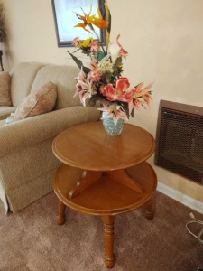 VINTAGE 2-TIERED WOOD SIDE END TABLE