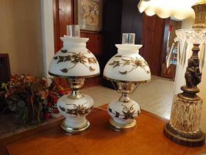MATCHING DOUBLE GLOBE LAMPS