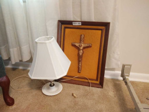 MILK GLASS TABLE LAMP WITH CRUCIFIX WALL ART