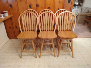 (6) WOODEN SWIVEL BAR HEIGHT CHAIRS