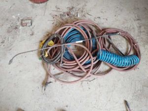 ASSORTMENT OF AIR HOSES