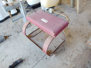 ROLLING MECHANICS STOOL