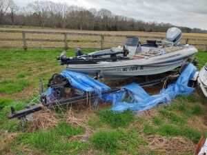 Sling Shot Bass Boat With Evinrude115 VRO Motor & Trailer