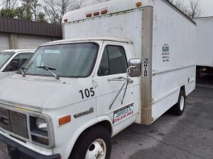 1993 GMC Cutaway Van; VIN 2GDHG31K3P4512215; runs but may need alternator