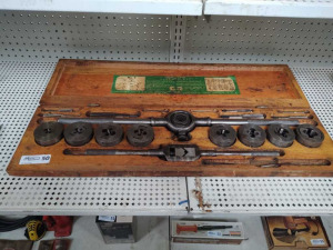 VINTAGE LITTLE GIANT TAP & DIE SET