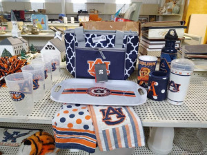 AUBURN CUPS, BAG, TRAY,TOWELS & MORE