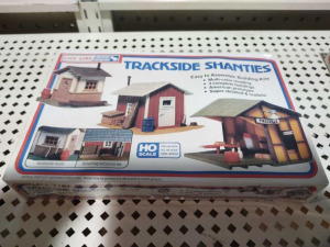 (NIB) HO SCALE TRACKSIDE SHANTIES BY LIFE-LIKE