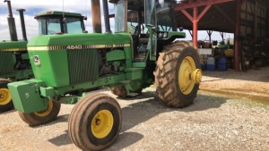 John Deere 4640 Tractor, 2WD, C/A/D, 1982 model; S#028815; 2995.5 hrs; does not have dual wheels (TRACTOR & EQUPMENT HOURS LISTED IN DESCRIPTIONS & PICTURES ARE NOT GUARANTEED.  PLEASE INSPECT EACH PIECE YOU ARE INTERESTED IN PERSONALLY.)