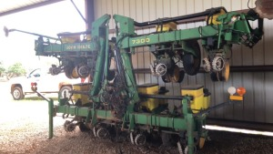 John Deere 7300 Planter, 8-row stack, 1994 model with monitor