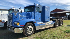 1994 Freightliner Semi Truck With Sleeper; V#1FUYDCXB0RP427398; 246,359 miles