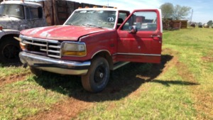 1992 Ford F-250 Pick-Up Truck; V#1FTHF26M8NNB12093