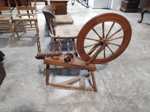 Vintage Spinning Wheel With Ball Turned Legs