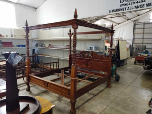 BEAUTIFUL WOODEN 4 POST KING SIZE BED