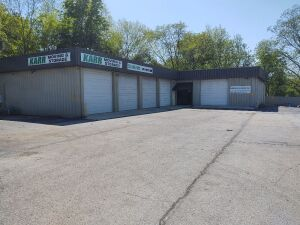 7,000 SF± Commercial Building On Hwy. 231-431, North