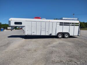 1994 CHEROKEE 24 FT HORSE TRAILER, DUAL AXLE
