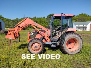 2008 Kubota M7040 Tractor With LA1153 Loader (hay spear & bucket), 2497.0 hrs