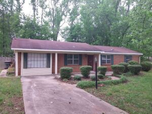 3-Bedroom Brick Home & Lot in Scottsboro, AL (Jackson Co.)