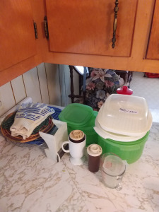 Plastic Containers & Measuring Cups,