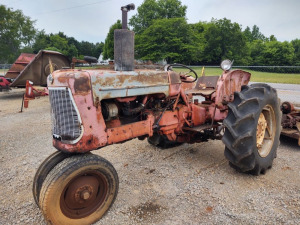 ALLIS CHALMERS D17 TRACTOR ***HAULED IN