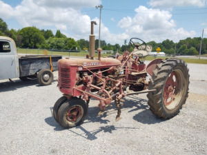 International Harvester Super C McCormick Farmall Tractor With  Cultivator ***HAULED IN