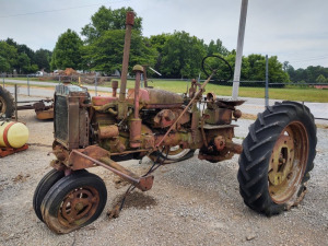 FARMALL TRACTOR ***HAULED IN
