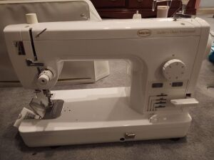 Baby Lock Quilter's Choice Professional Machine (no cord)