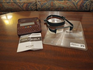 Electronic Holy Bible By Franklin Bookman & Magnifying Glasses