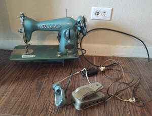 Royal Sewing Machine With Foot Pedal