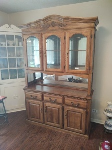 China Cabinet With Mirror Back, missing glass shelves