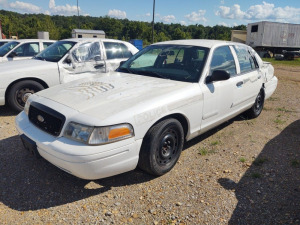 2005 FORD CROWN VICTORIA; VIN# 2FAFP71W55X149374; 231,969 MILES; RUNS & DRIVES (ROUGH)