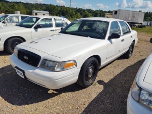 2007 FORD CROWN VICTORIA; VIN# 2FAFP71W47X130253; 164,771 MILES; RUNS & DRIVES