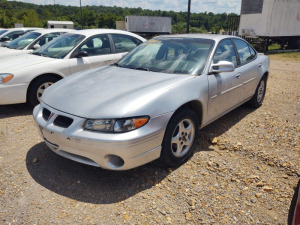 2002 PONTIAC GRAND PRIX; VIN# 1G2WK52J02F142585; 258,286 MILES; RUNS & DRIVES