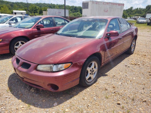 2002 PONTIAC GRAND PRIX; VIN#1G2WK52J12F153210; 178,817 MILES;  RUNS & DRIVES