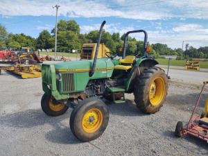 5200 JOHN DEERE TRACTOR; RUNS & DRIVES