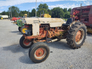 CASE 507 TRACTOR; RUNS & DRIVES