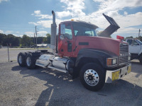 2004 MACK CH-613 TRACTOR TRAILER;  VIN# 1M1AA18Y54N156755; 442,282 MILES; RUNS & DRIVES - 10