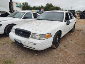 2003 FORD CROWN VICTORIA; VIN# 2FAFP71W63X198175; HAS NO KEY