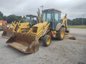 1999 NEW HOLLAND 555E BACKHOE LOADER; SERIAL # 31021317; RUNS & DRIVES; (NO KEY, CRANKS W/ SCREWDRIVER)