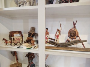 Collection Of Western/Native American Themed Décor