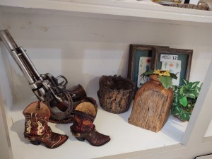 Collection Of Western Themed Décor