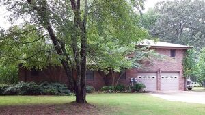 2-Bedroom Brick Home With 2-Bedroom Apartment In Hazel Green