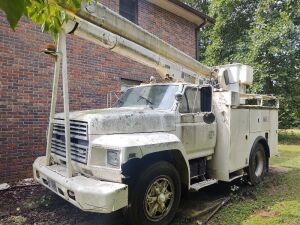 1985 Ford Bucket Truck; VIN #1FDWK74N2FVA73008; 243,658 miles; bucket has capacity of 340 lbs. and shows 7654 hrs. (selling from Fowler Auction's lot in Toney, AL); Bill Of Sale Only; Buyer will pay taxes at courthouse