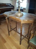 Vintage Parlor Table With Tulip Lamp - 2