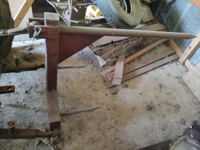 3-Pt Hitch Hay Spear